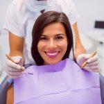 Blanqueamiento, carillas dentales y la reina, la ortodoncia invisible, son los tratamientos top de estética dental para 2021.